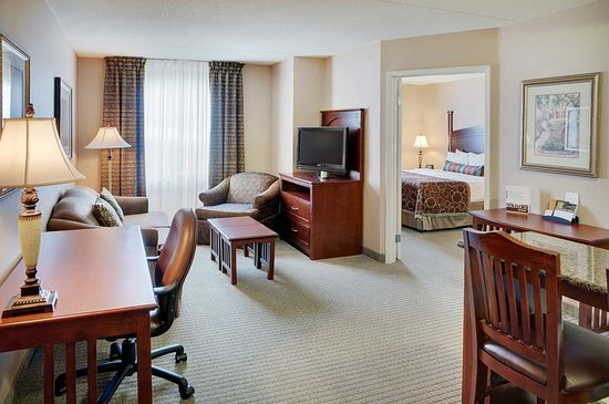 Staybridge Suites Oakville: One Bedroom Suite with King Bed