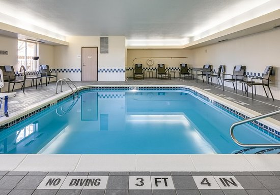 Fairfield Inn Amp Suites Kansas City Airport Mo Hotel