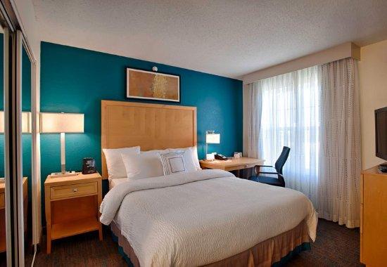 Neptune, Νιού Τζέρσεϊ: King Suite Bedroom