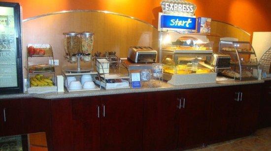 Trincity, Trinidad: Breakfast Bar