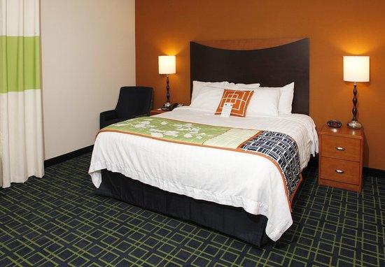 Fairfield Inn & Suites by Marriott Rockford: King Guest Room
