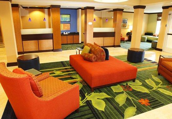 Fairfield Inn & Suites by Marriott Rockford: Lobby