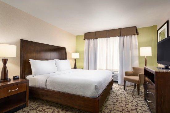 Hilton Garden Inn New York Long Island Reviews