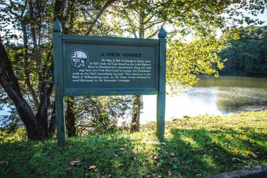 Yorktown, VA: Historical markers along the way