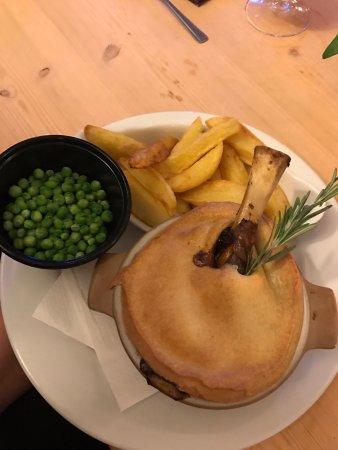 Skelmersdale, UK: Lamb Shank Pie