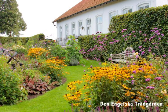 Den Engelska Tradgarden (The English Garden)