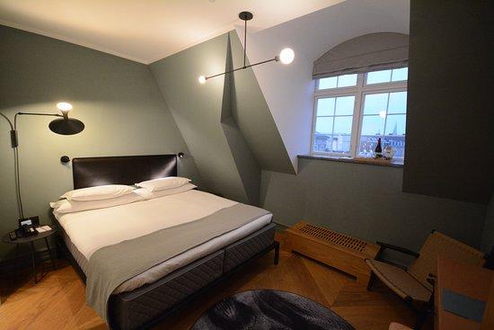 Chambre 315 sous les toits picture of nobis hotel copenhagen copenhagen tripadvisor - Chambre d hote copenhague ...