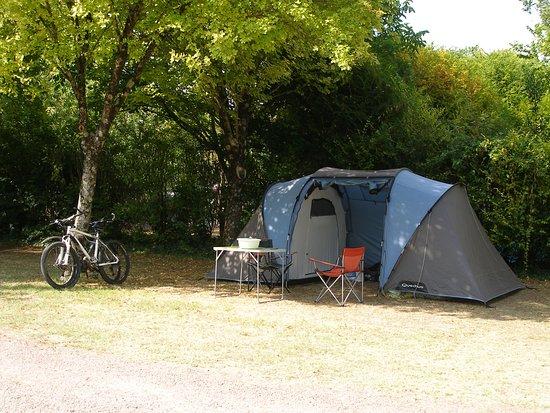 Emplacement Tente Picture Of Camping Du Petit Pont La