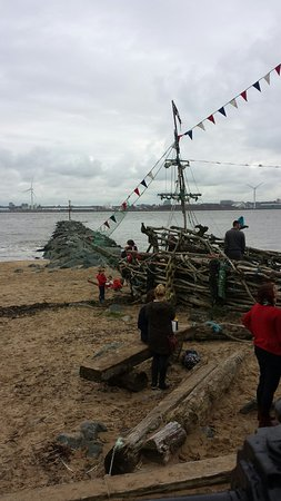 new brighton black singles The black pearl new brighton: hours, address, the black pearl new brighton reviews: 5/5  the black pearl is an interactive artwork to be enjoyed by all age groups .