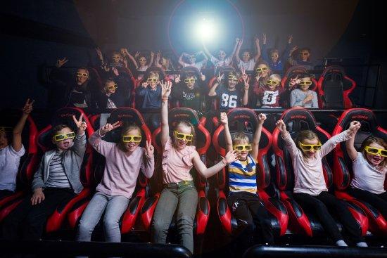 Lorenskog Municipality, Noruega: Megafun har også en 6D-kino som viser kortfilmer med 3D-bilde, kvalitetslyd, ristende stoler, lu