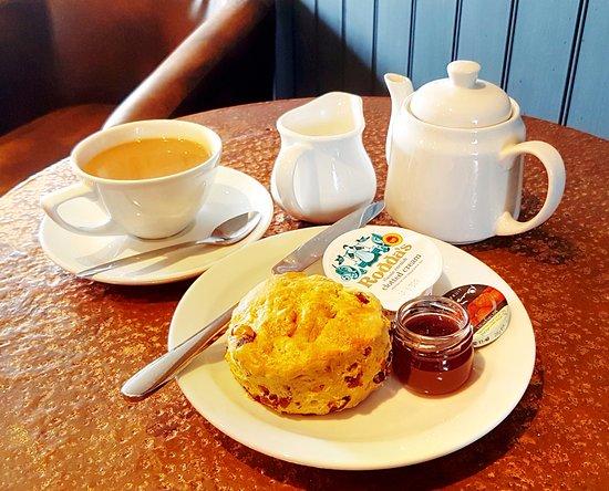 Boheme Coffee Lounge: Traditional Cream Tea