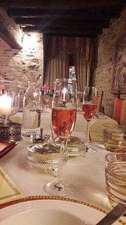 Hotel Castello di Sinio: 20171124_202533_large.jpg