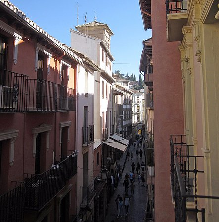 Hotel Posada Del Toro: a view of the tiny street along the front of the hotel, from my tiny balcony