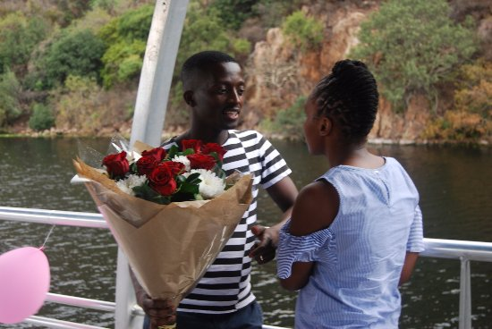 Hartbeespoort, Sydafrika: Khumalo just trying to be romantic.