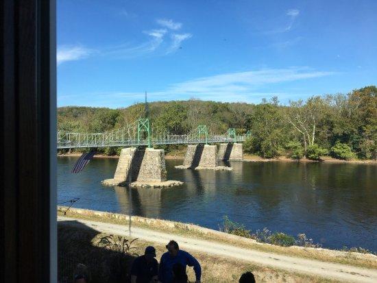 Lumberville, PA: Vista dalla sala da pranzo