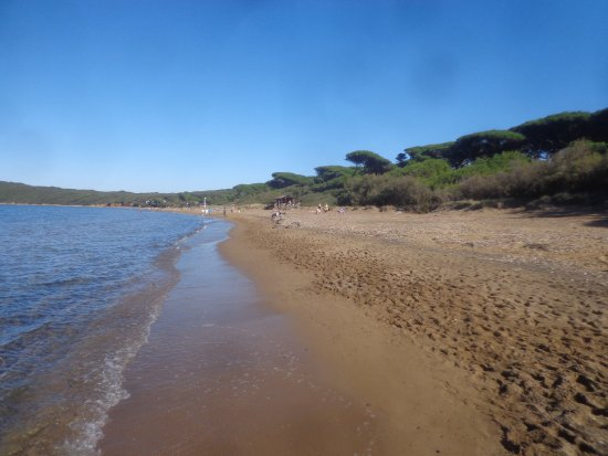 Piombino, Italië: La spiaggia tutta libera in autunno