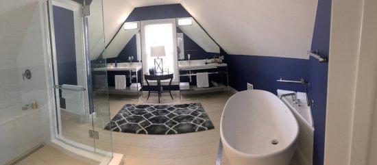 Marquesa Hotel: 414 Premier Suite Bath