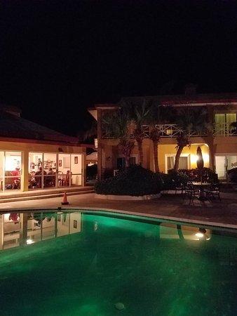 Augusta Bay Bahamas: 20171123_183343_large.jpg