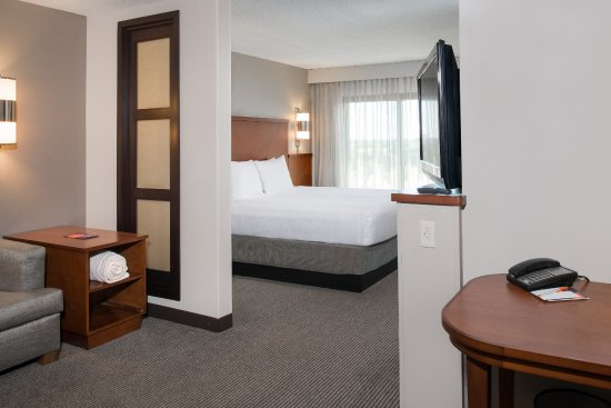 Hyatt Place Dallas/North Arlington/Grand Prairie: Guests also love having a refrigerator in all rooms.