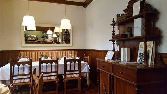Asador Restaurante Trinkete Borda: interior del local