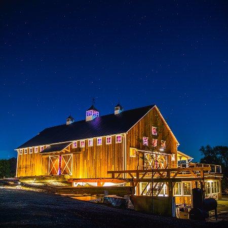Hamilton, VA: Zion Springs Barn