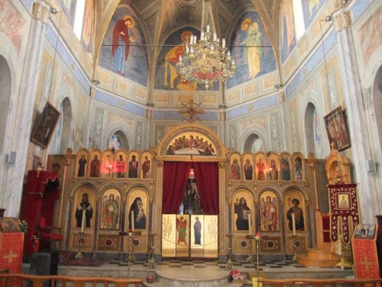 Interieur de l 39 eglise picture of eglise st spiridion for Interieur eglise