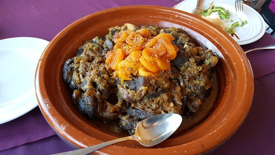 Hotel Dar Zitoune : our lunch, a delicious tangine of beef and apricots