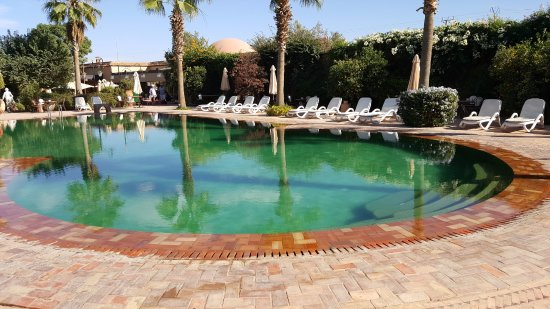 Hotel Dar Zitoune : one of 3 pools on the grounds -- very clean and serene
