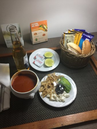 Real Inn Perinorte: Room Service Tortilla Soup