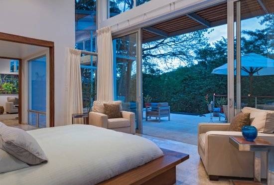 The Lodge at Chaa Creek: Ix Chex Villas Master Suite overlooking a stunning infinity plunge pool