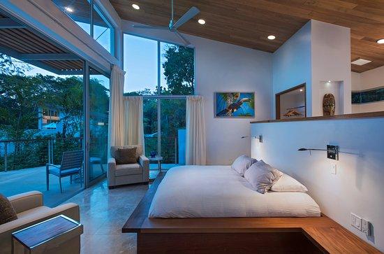 The Lodge at Chaa Creek: Ix Chex Villas master suite interior