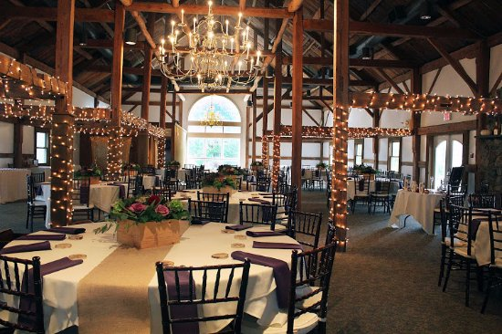 Wolfeboro, NH: Our Barn seats up to 200 and is a unique venue for special occasions!