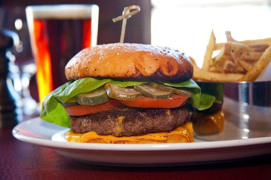 Tabernash, Κολοράντο: Heck's Classic DTR Wagyu Beef Cheeseburger