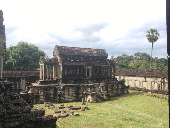 Angkor Guide Sopanha Private Tours: photo4.jpg