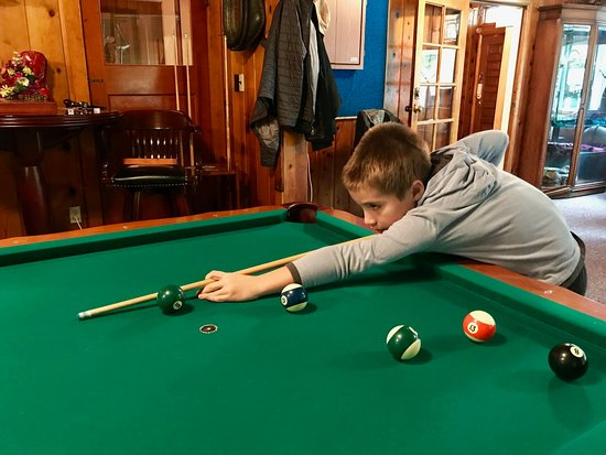 Mill Creek, Калифорния: My 9yo learned to play pool!