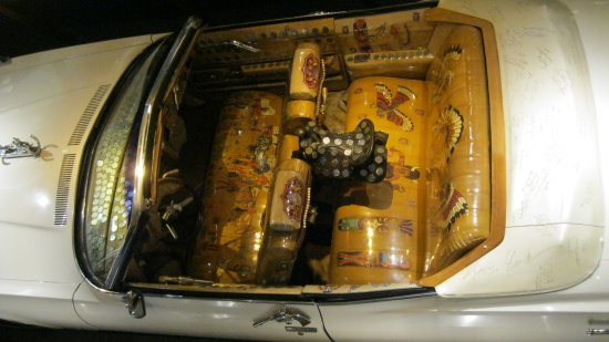 Crystal Palace and Museum: Car Behind The Bar Interior