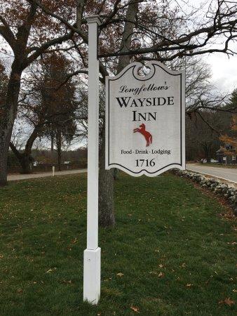 Sudbury, Массачусетс: The Wayside Inn.