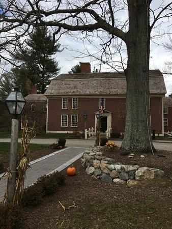 Sudbury, MA: The front of the Inn.