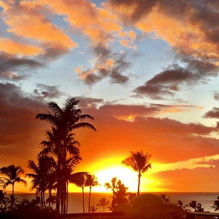 Fairmont Kea Lani, Maui: Amazing sunset