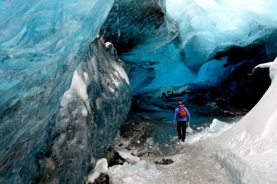 Goecco: Ice cave scouting