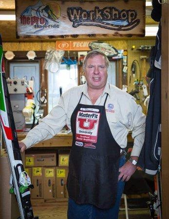 Hunter, Estado de Nueva York: Keith Holmquist is a custom bootfitting specialist who has over 30 years' experience.
