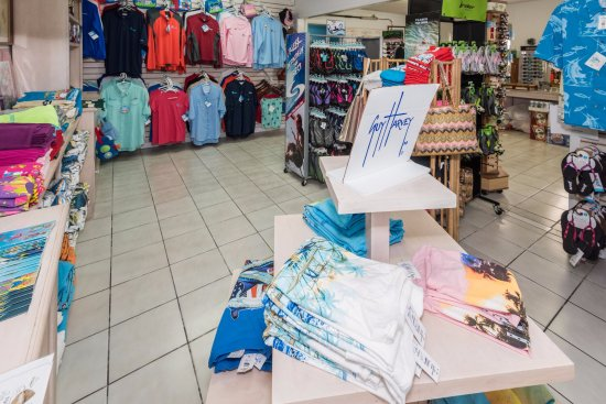Elbow Cay: The Gift Shop at Sea Spray Resort and Marina