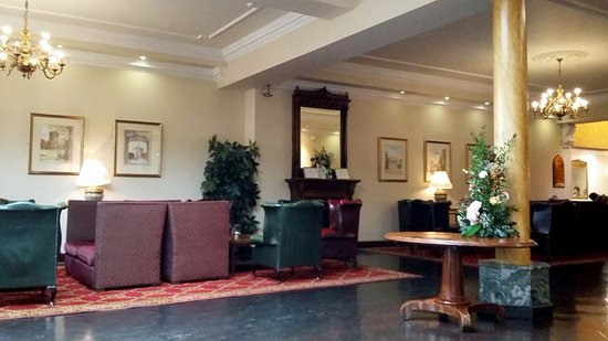 Nenagh, İrlanda: Reception area