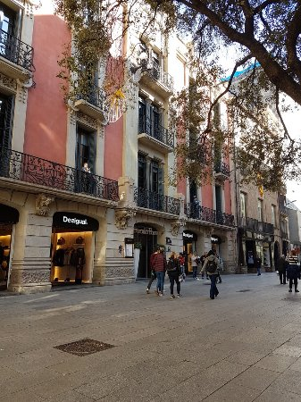 Catalonia Catedral: Front of the hotel