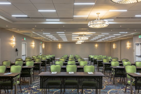 Hilton garden inn reagan national airport hotel updated 2018 reviews price comparison for Hilton garden inn crystal city va
