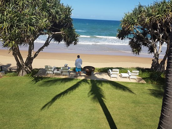 Bargara, Australia: The Beach right at your door.