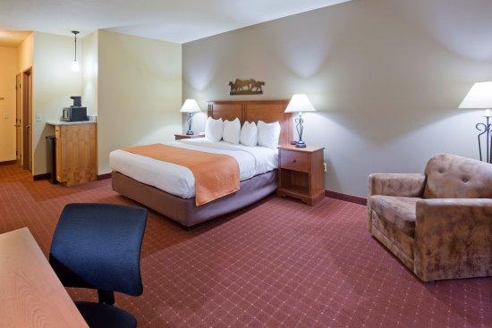 AmericInn Hotel & Suites Fargo South — 45th Street: Large King Room