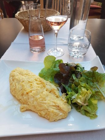 Restaurant la petite auberge dans marciac avec cuisine for Petite cuisine restaurant