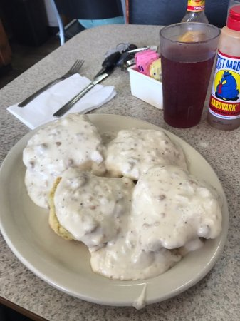 Beth's Cafe: Biscuits and Sausage Gravy