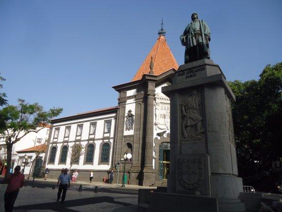 Estátua João Gonçalves Zarco